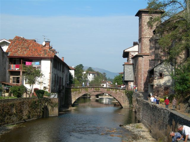 st-jean-pied-du-port-france.JPG
